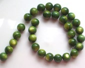 8mm round - green mother of pearl, 9.5""
