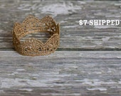 "Vintage style newborn lace crown in gold ""Petite"""