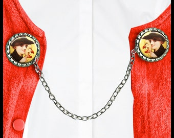 looking Witchy Sweater Guard Clip