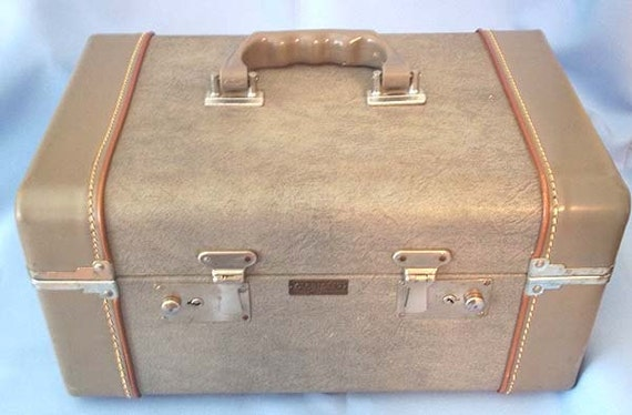Vintage Retro 1940's GLOBESTER by CROWN Travel Train Suitcase