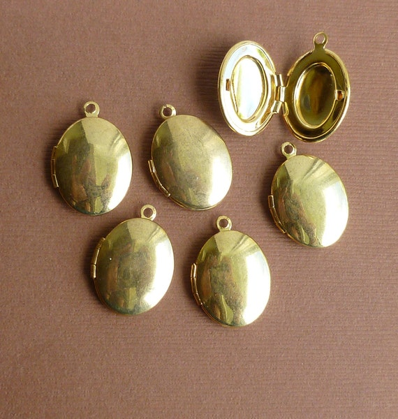Shiny Gold Brass Oval Lockets -- Antiqued Brass Pendants -- 6 pieces