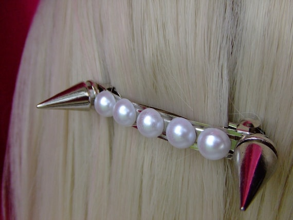 Pearls and Spikes hair clip