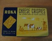 Circa 1940's farm house vintage kitchen Cracker Tin Holland Che-Cri Cheese Crispies