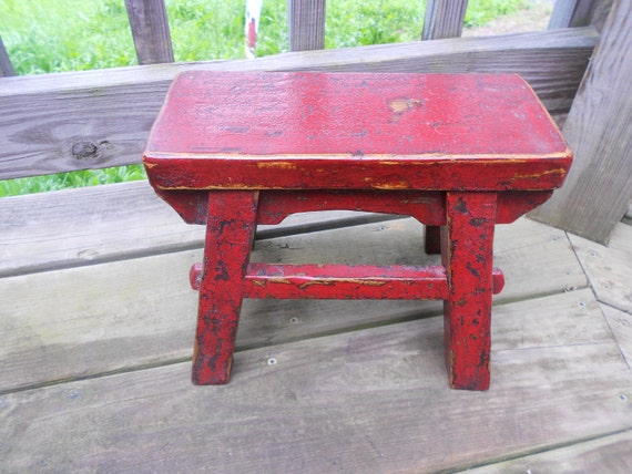 128 - Primitive Little Old Red-Black stool