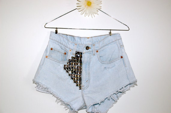 Levis Size 31 High Waisted Shorts