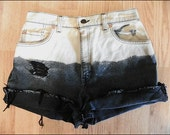 vintage distressed bleached levi high waisted shorts size 28