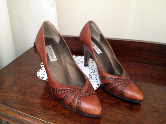 Vintage 1970s Women Pumps  Shoes Genuine Leather  Brown