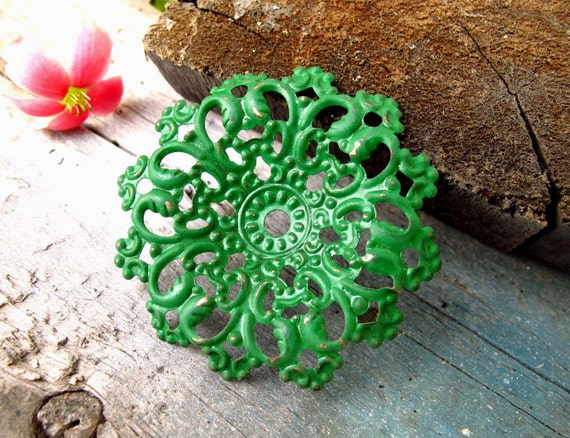 FOREST Green - 4 x vintage style / faux patina hand painted metal charm/pendant lace (FC23)