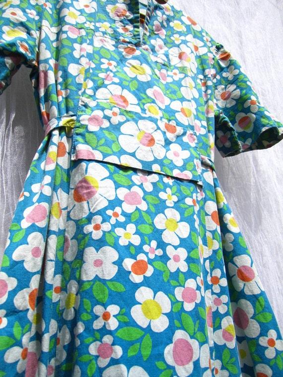 SALE 30% Off Vintage 1960s Handmade Groovy Floral Maxi Dress