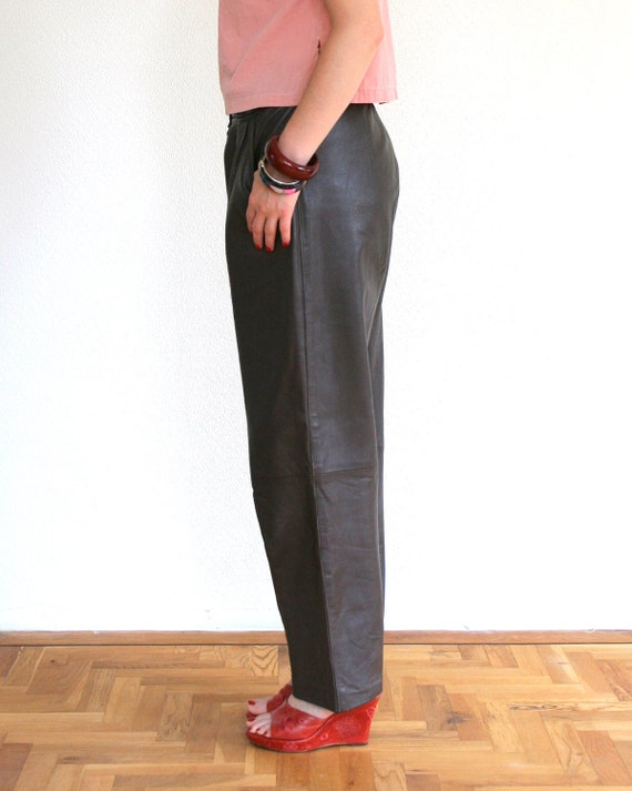 Tapered leather pants in brown, high waist, large size vintage trousers from 1980's 80's, pleated trousers, peg leg pants