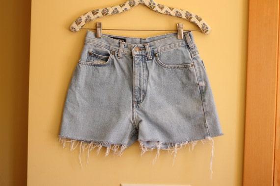 SALE Vintage High Waisted Jean/Denim Shorts Size 27