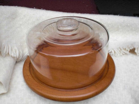 Winsome Wood Base CAKE SAVER  Glass Dome top vintage cake saver