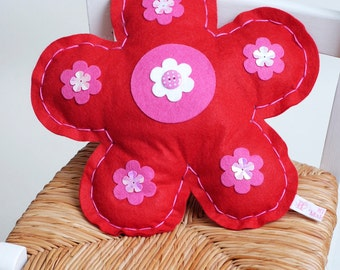 Felt Flower Sewing Kit in Red