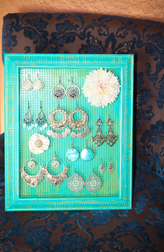 teal and green standing jewlery/hair clip organizer
