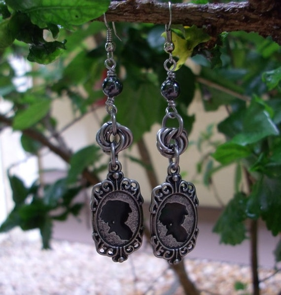 Cameo Steampunk Chainmail earrings.
