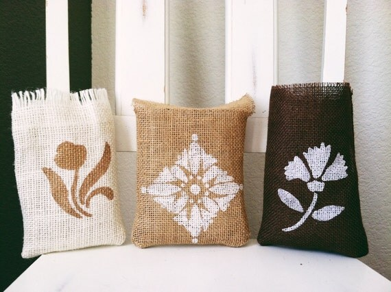 Painted Burlap Gift Bags and Party Bags