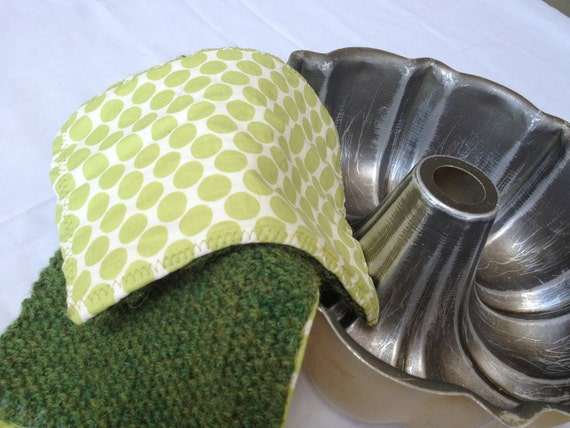 Keep Me Cool Green Pot Holders