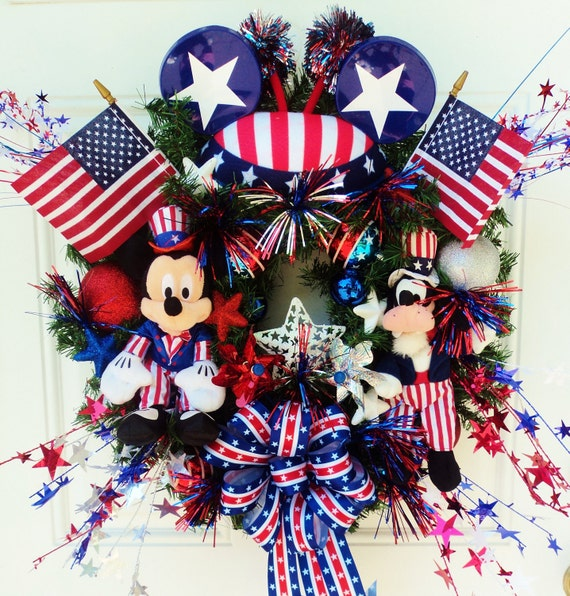 Patriotic Disney Wreath Mickey Mouse and Goofy