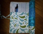 Quilt block pen & pencil roll up holder for purse blue chinese lantern pattern