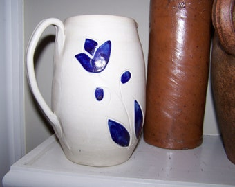 Williamsburg Pottery Pitcher Crock