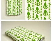 iPhone case with natural scandinavian green pattern