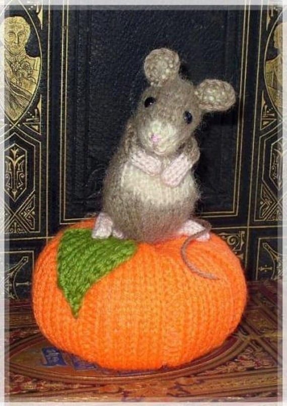pumpkin mouse pincushion PDF email knitting pattern