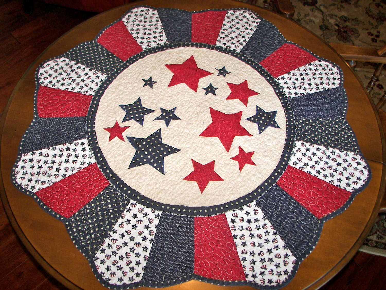 4th of july round quilted table topper by myrnasmarvels on for Round table runner quilt pattern