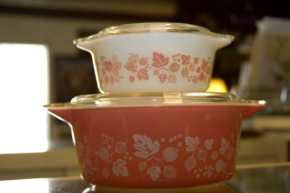 Pyrex Gooseberries baking dishes with lids.