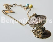 "Bronze charm necklace ""Carrousel du cirque"" by Benjamin Buttons - beads present"