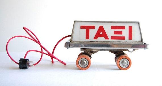 Roller Taxi. Handcrafted desk / floor lighting