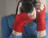 Hand Warmers Knitting Pattern by Allyson Dykhuizen