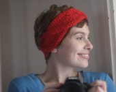 Chunky Cabled Headband Knitting Pattern by Allyson Dykhuizen