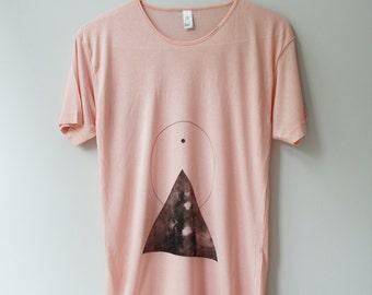 s / THE PYRAMID N.1  /  new age triangle tee /  black . peach
