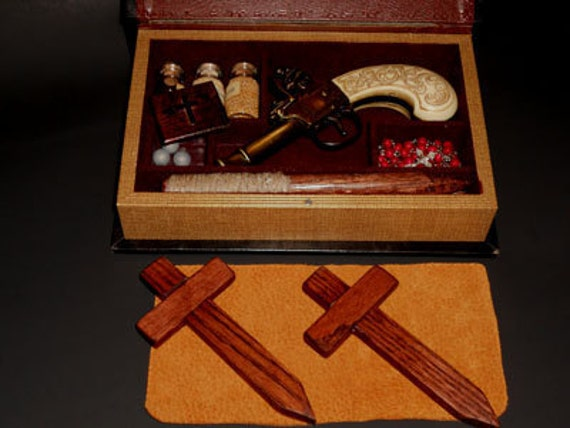 Phineas J Legheart Vampire Killing Kit (The Quiet Man) FREE SHIPPING in continental U.S