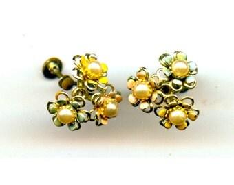 Flower screwback earrings