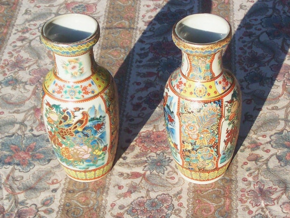 Vintage satsuma crazed  vases mini set of 2 colorful gold outlines