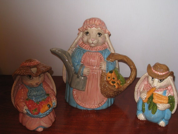 Bunny tea pot with sugar and creamer  How Cute  Is This. Easter,  or add to your teapot collection