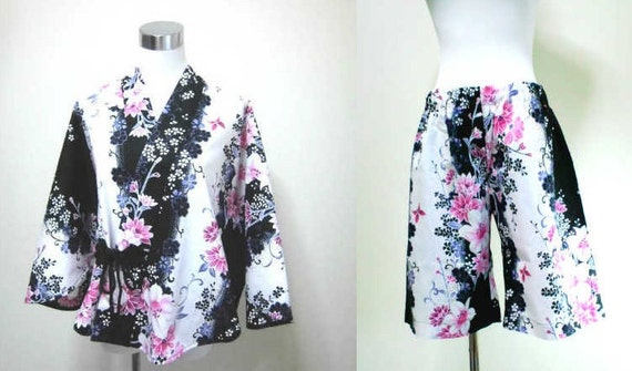 yukata  poncho and  larger size half pants set : white lilies , white , black , pink , kawaii , summer , Japanese fashion