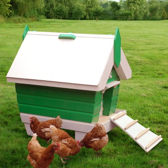 BeachHutchy 2-5 Chicken Coop Plans (pdf)