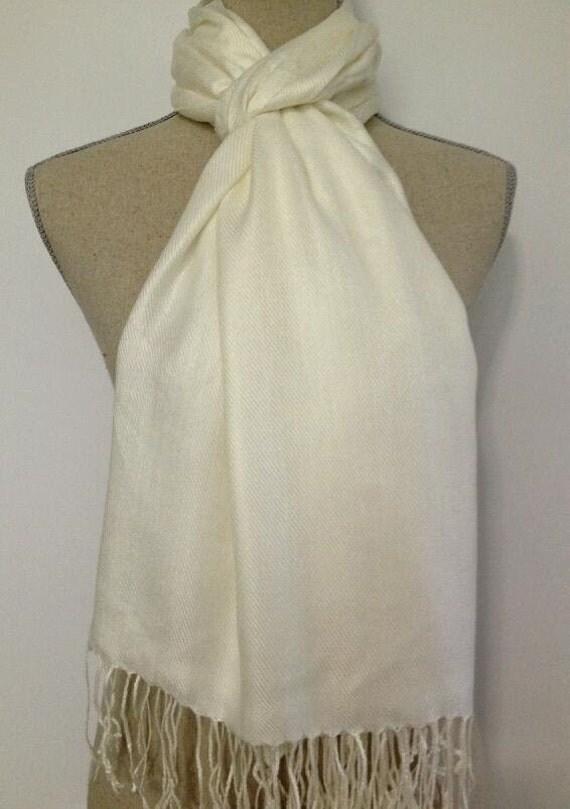 ivory pashmina, pashmina shawls, wedding favor, wedding shawls, bridesmaid warp, wedding gift