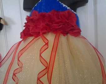 Snow White Dress from Disney with matching headpiece NB-18M