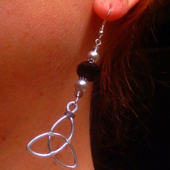 Hypoallergenic Black Crystal & Silver Pearl Triquetra Earrings
