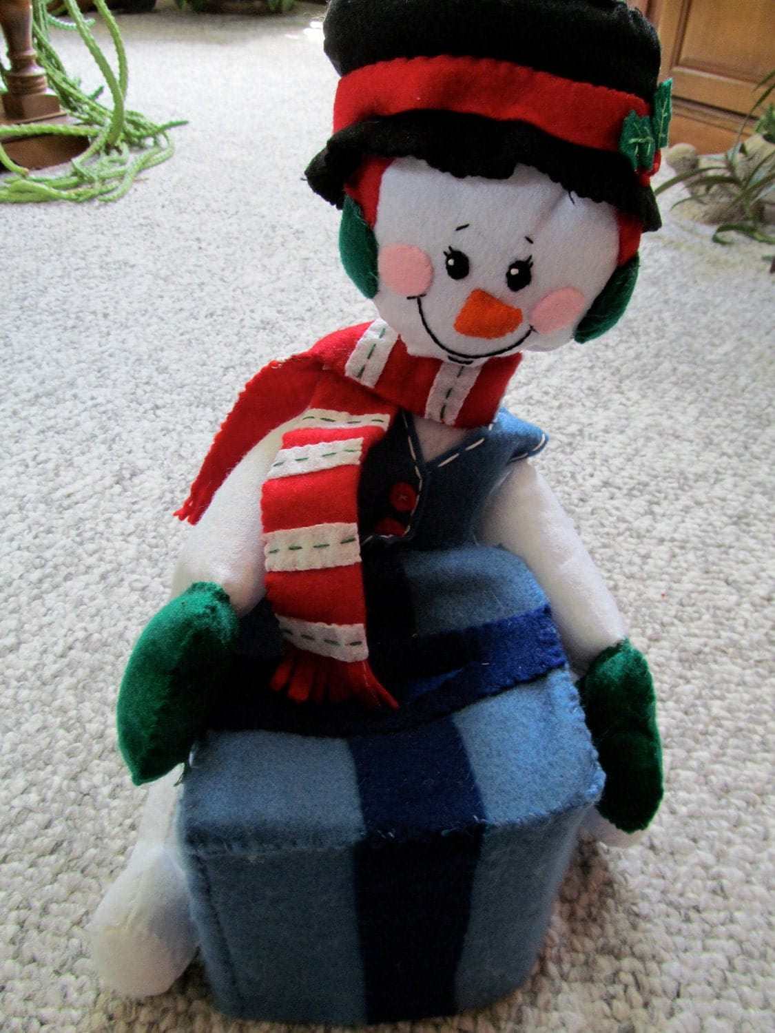 Frosty the Snowman Felt Tissue Box Holder Decoration Completed Handmade from Bucilla Kit
