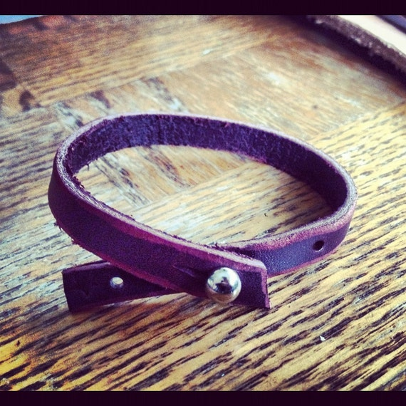 Thin Leather Bracelet with Sam Brown Button