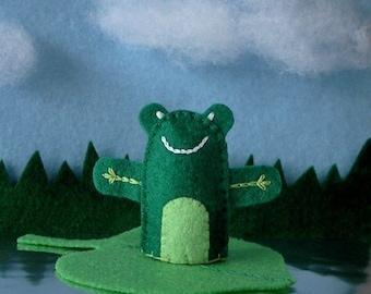 Frog Finger Puppet - Felt Finger Puppet Frog - Amphibian Puppet - Felt Animal Puppet Frog