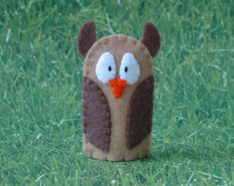 Owl Finger Puppet Tan and Brown - Woodland Animal Puppet - Felt Bird Finger Puppet - Owl Puppet