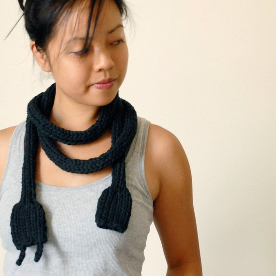 Chunky Scarf - Knit Necklace - Statement Piece - Knitted Power Cord - Guy Gift - Geek Scarf - Mens - Unisex - Nerd Necklace - Toy - Geekery