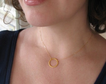 Gold Circle Necklace, Everyday Necklace, Delicate Gold Necklace, Gold Vermeil Circle Outline, 14k Gold Filled Chain, Classic Circle Necklace