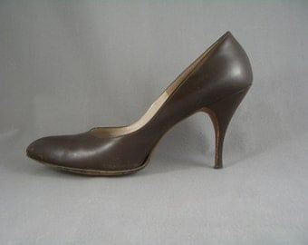 1950s brown calf leather stiletto heel shoes by Rhythm Step - with box - US 9N