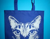 cat, cat tote bag, blue cat bag, silver cat, cat bag, cat tote, kitty bag, 1AEON royal tote with silver kitty cat